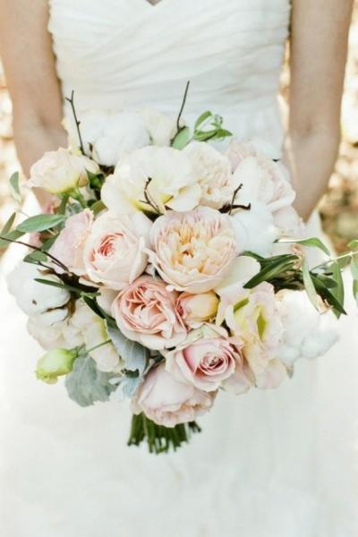 White Wedding Flowers March : Vilka blommor vill du ha i din brudbukett
